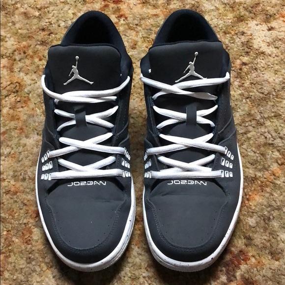 1252fba6e2a Jordan Other - Sz 11 Jordan Low Top Shoes